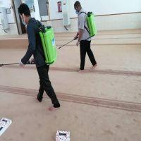 إدارة المساجد بالأفلاج تواصل رش وتعقيم الجوامع والمساجد بالأفلاج