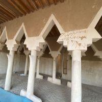 بالصور : أقدم المساجد بالأحمر ... بلغ عمره ٥٢ سنة ومطالب بإعادة ترميمه